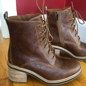 Timberland Sienna High Brown Embossed Boots .. NEW